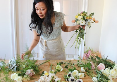 making a wedding bouquet